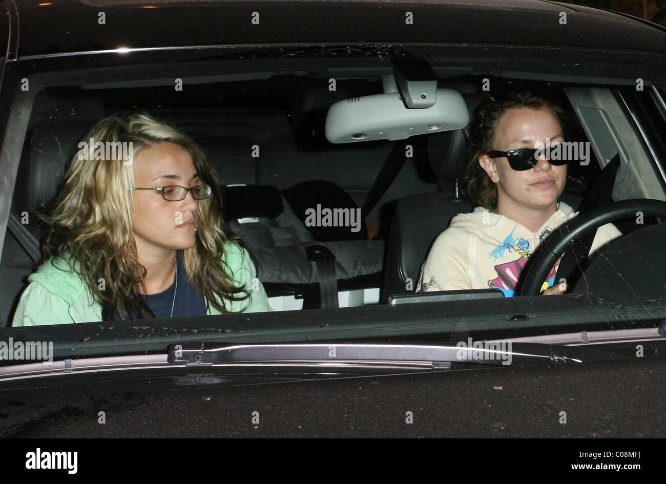 Britney Spears And Her Sister Jamie Lynn Spears Go To Taco Bell Stock Photo Alamy