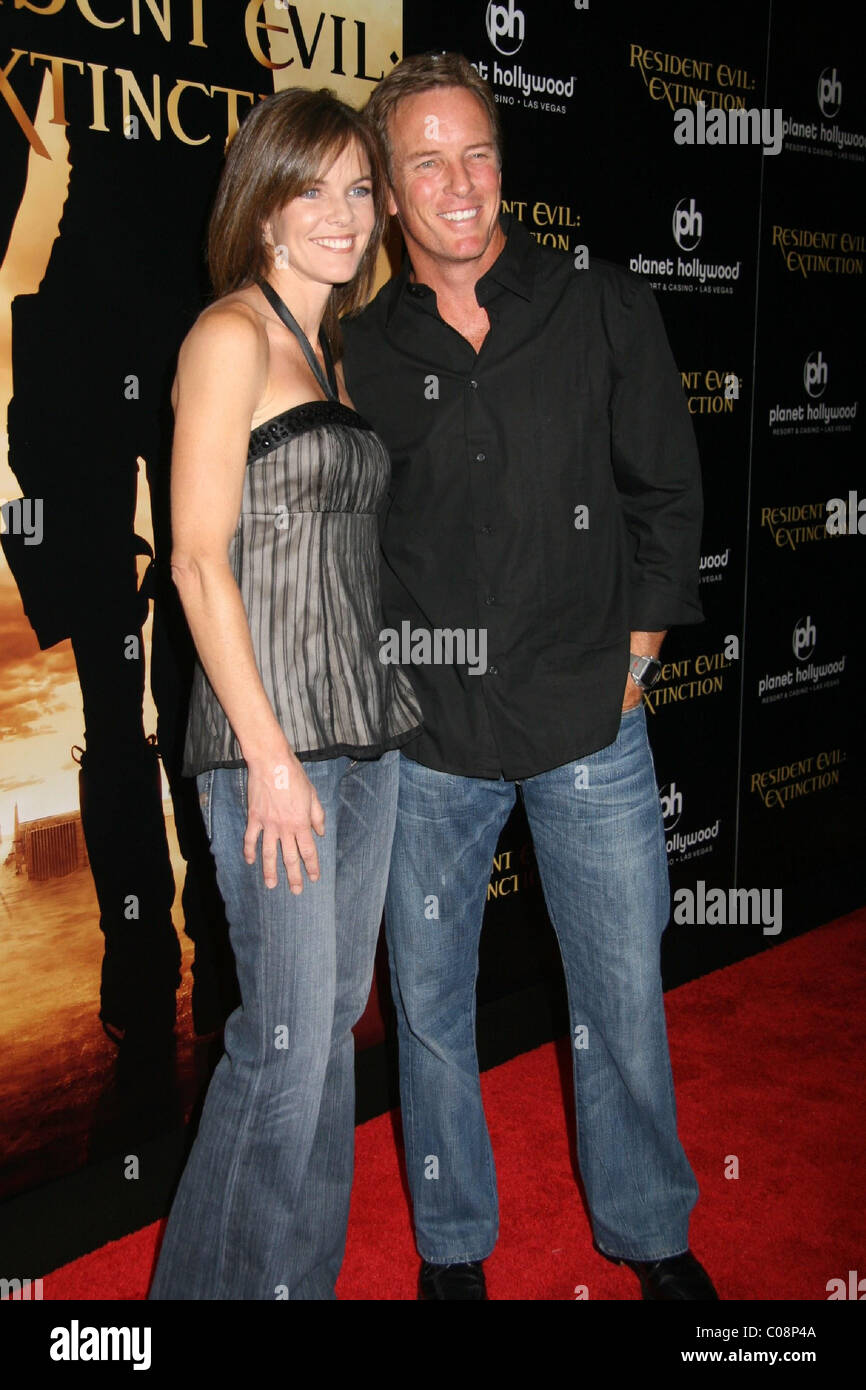 susan walters and linden ashby susan walters and linden ashby resident evil extinction 1212