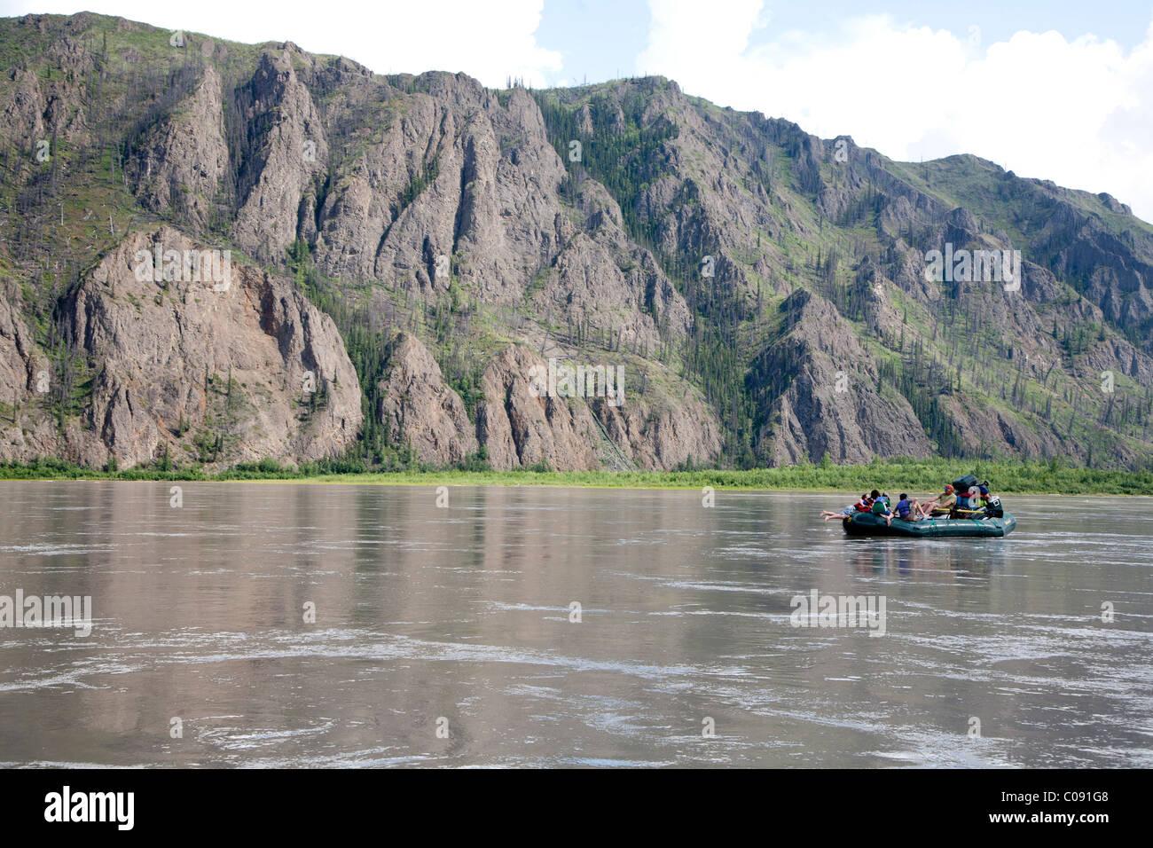 A Family floats down Yukon River in Yukon-Charley Rivers National Preserve  Interior Alaska, Summer - Stock Image