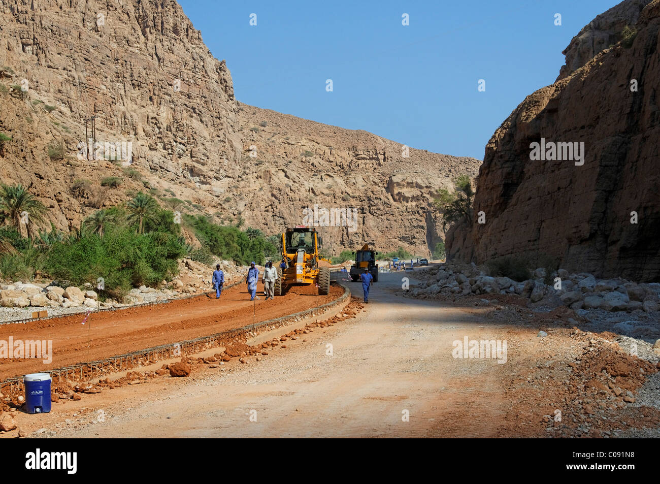 Road construction site, Wadi Tiwi, Oman, Middle East - Stock Image