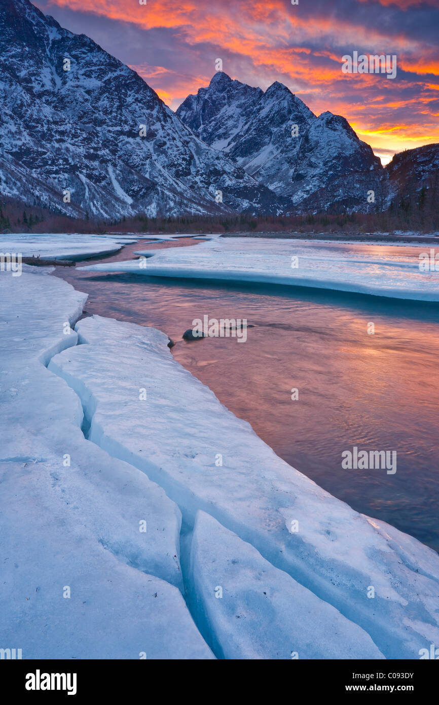 Sunrise on Mount Yukla with Eklutna River in the foreground, Eagle River Valley, Chugach State Park, Southcentral - Stock Image