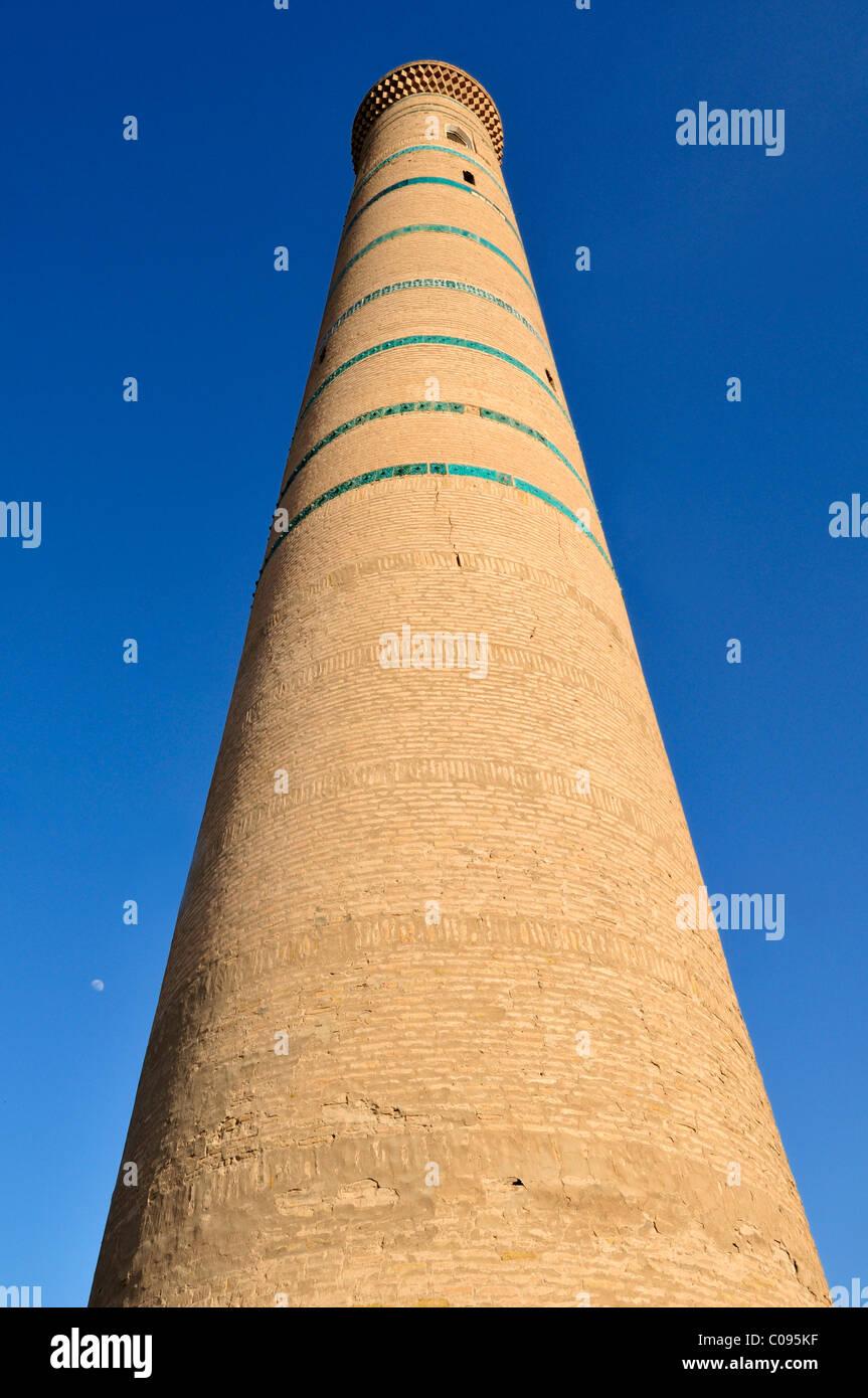 Minaret of the Djuma, Juma Mosque the historic adobe town of Khiva, Chiva, Ichan kala, Unesco World Heritage Site, - Stock Image