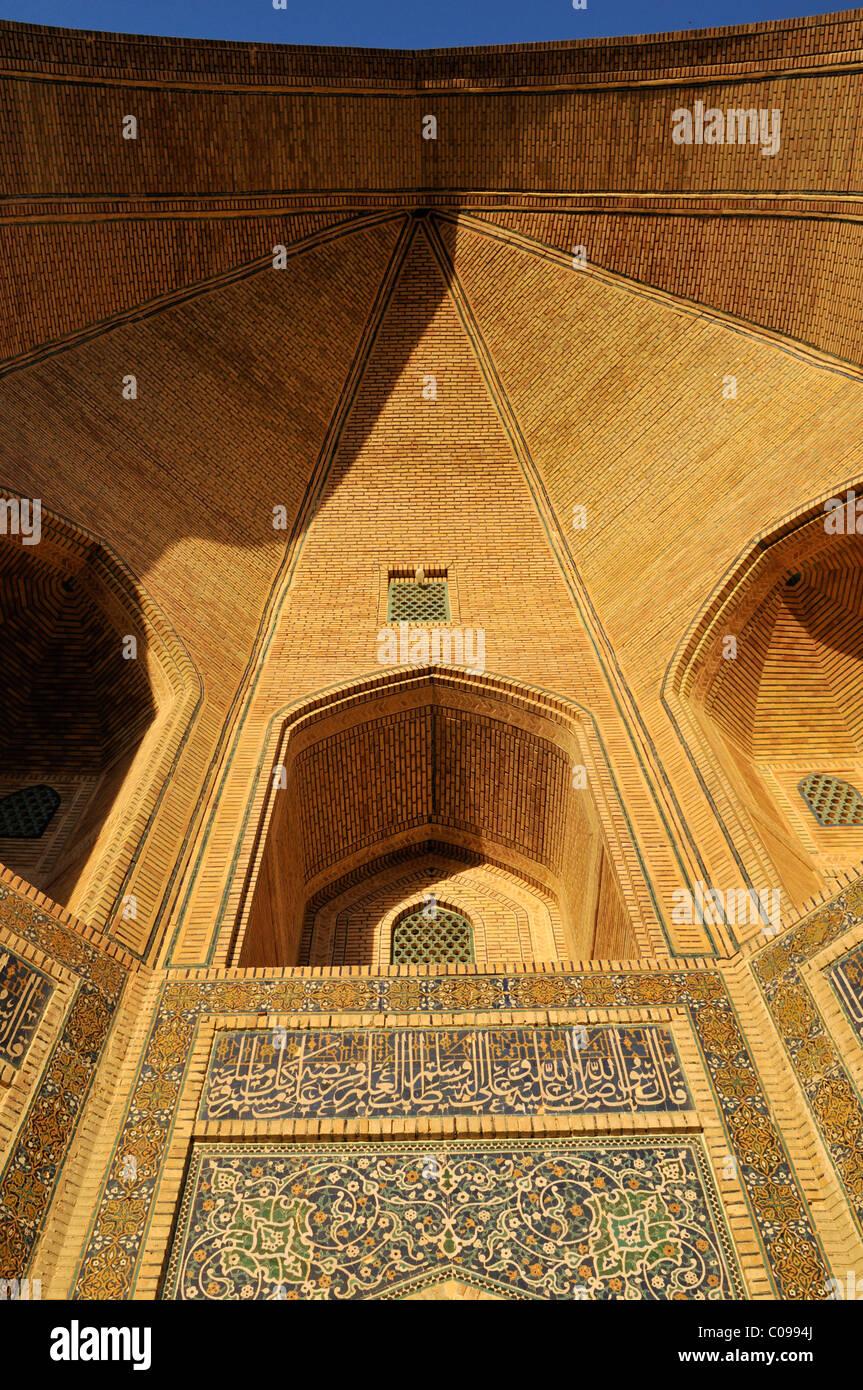 Entrance portal, Ivan, Ayvon of Mir-i, Miri Arab madrasah, Bukhara, Buchara, Silk Road, Unesco World Heritage Site, - Stock Image