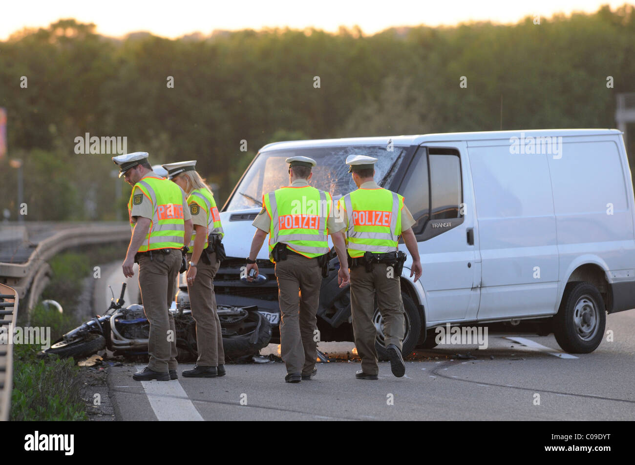 Fatal motorcycle accident on road B 27, police securing evidence