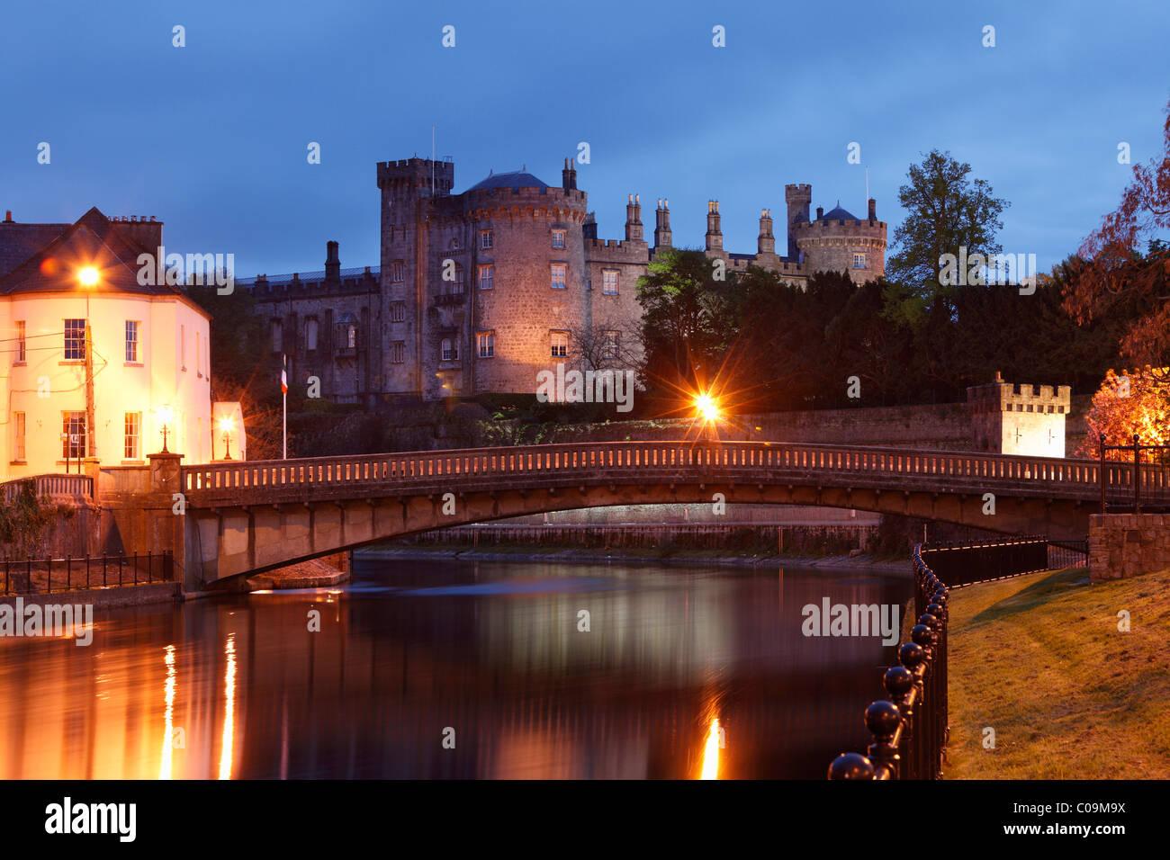 Kilkenny Castle, River Nore, County Kilkenny, Republic of Ireland, British Isles, Europe - Stock Image