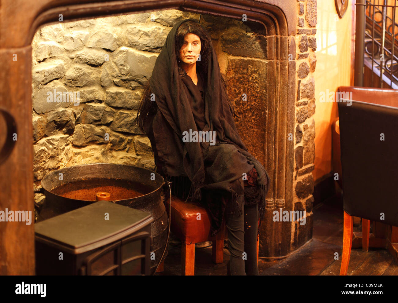 Life-size figure of the witch Alice Kyteler in a pub, Kyteler's Inn, Kilkenny, County Kilkenny, Ireland, British - Stock Image