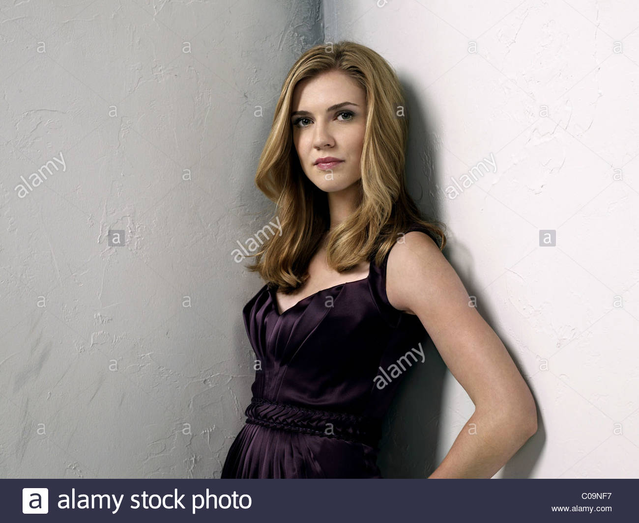 SARA CANNING THE VAMPIRE DIARIES (2009) - Stock Image