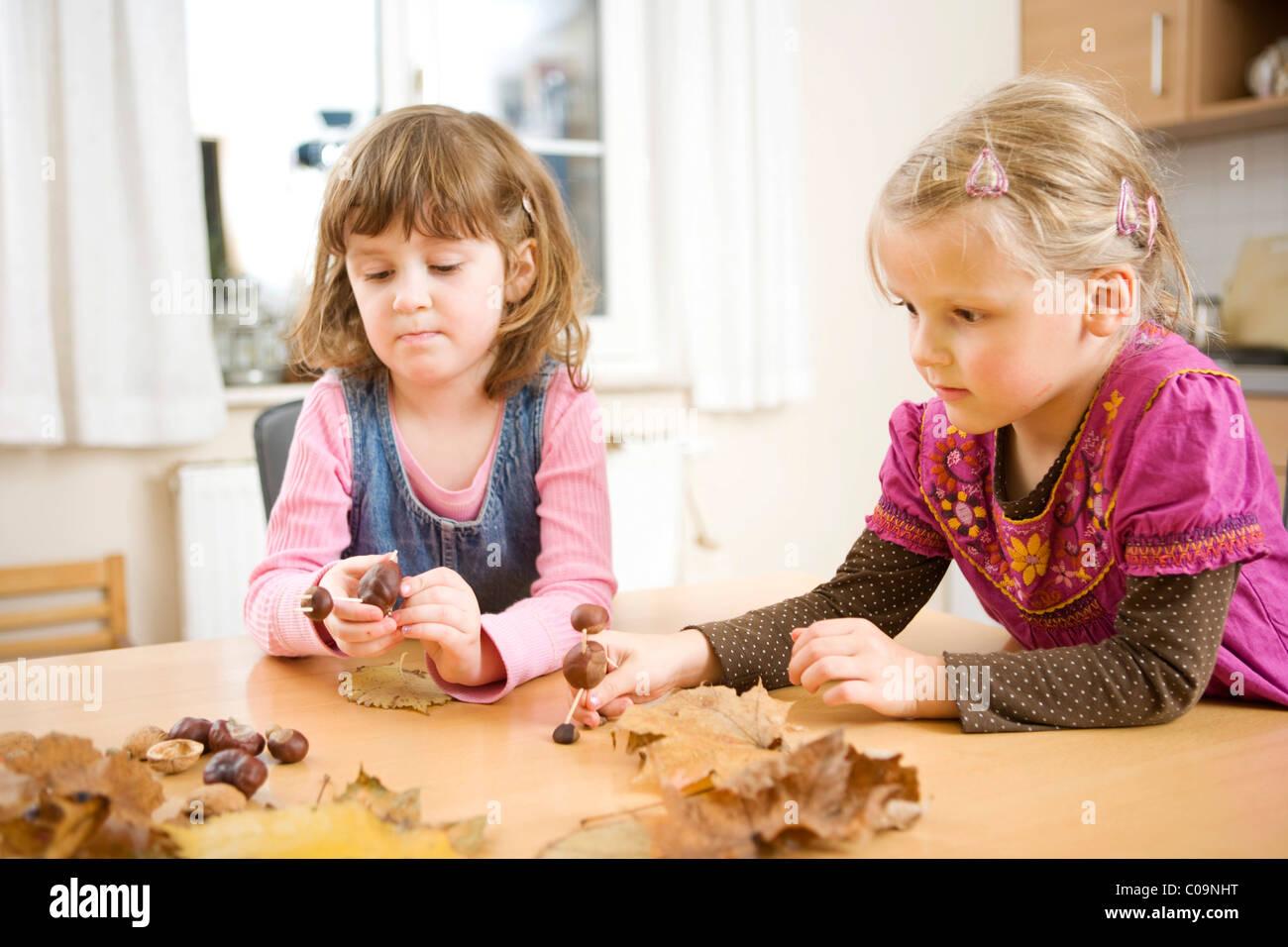 Handicrafts from chestnuts 91