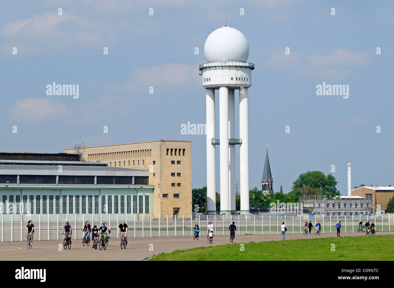 Radar tower of Tempelhof Airport, handed over to the public in May 2010, Tempelhofer Feld between the Tempelhof, - Stock Image