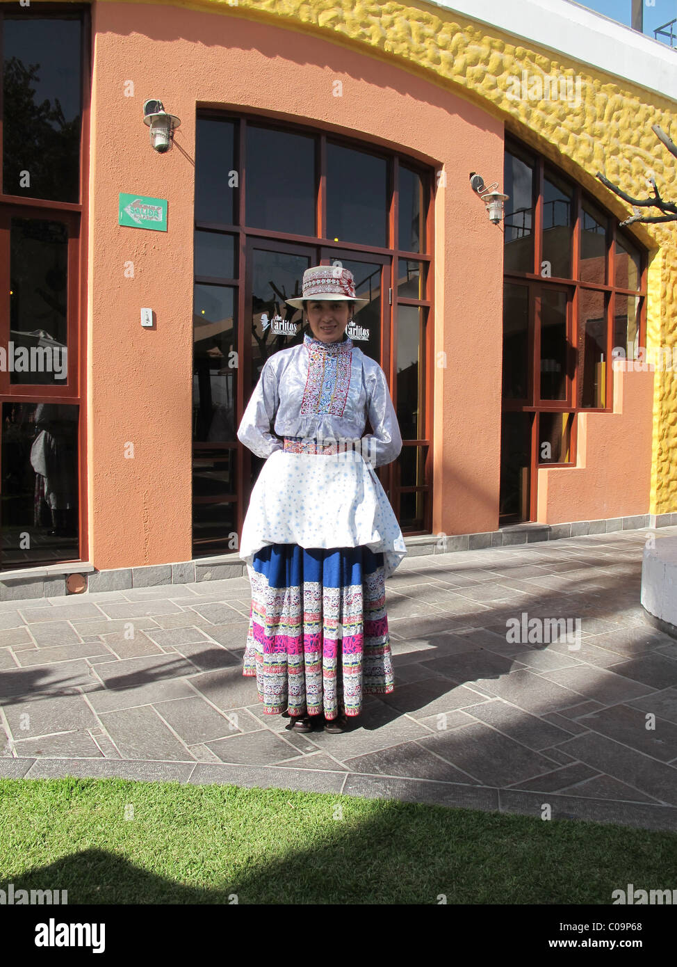 Woman in a traditional dress (traje tipico de Arequipa), Arequipa, Peru Stock Photo