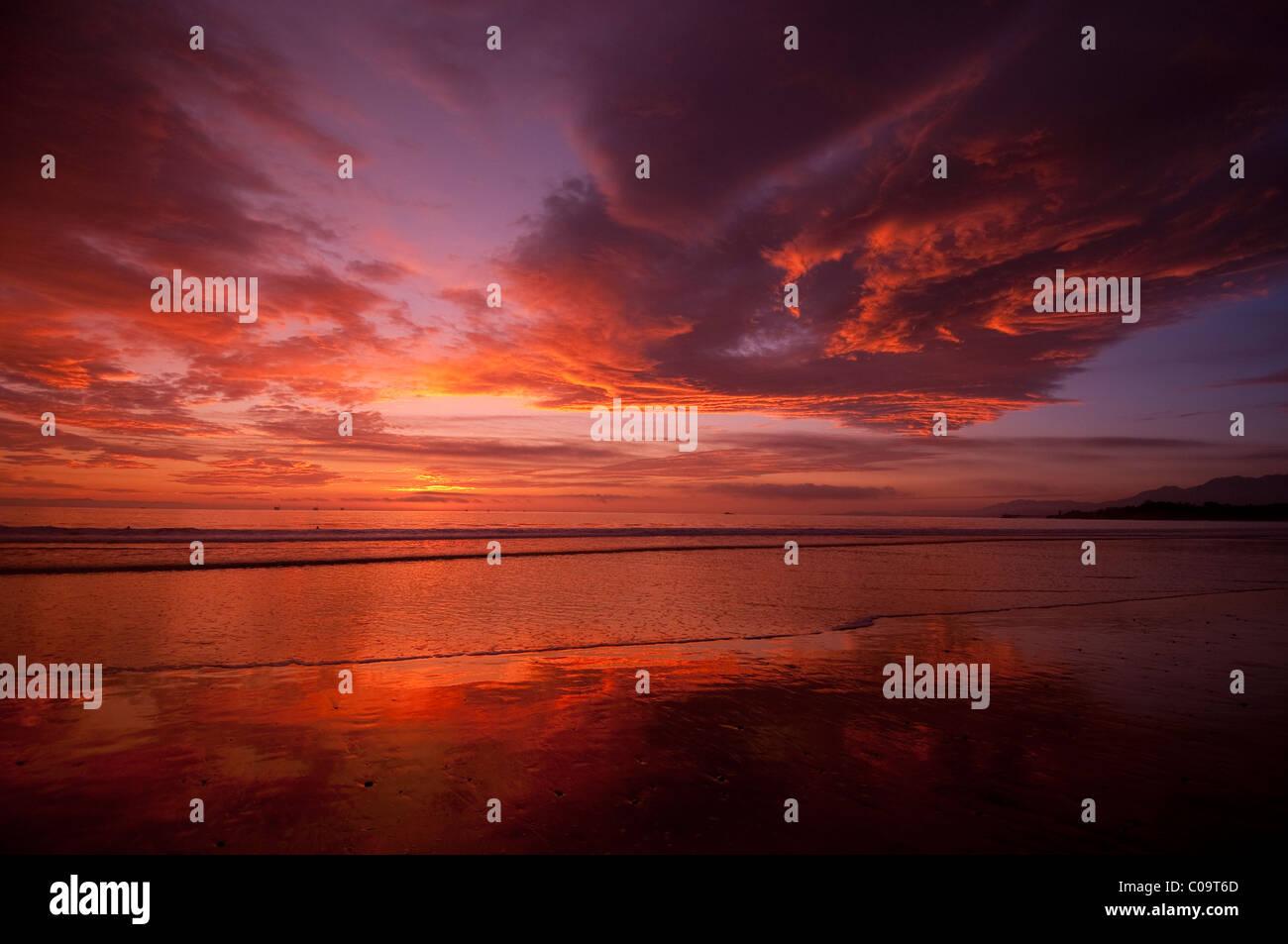 Sunset at west facing beach near Santa Barbara Central California coast - Stock Image