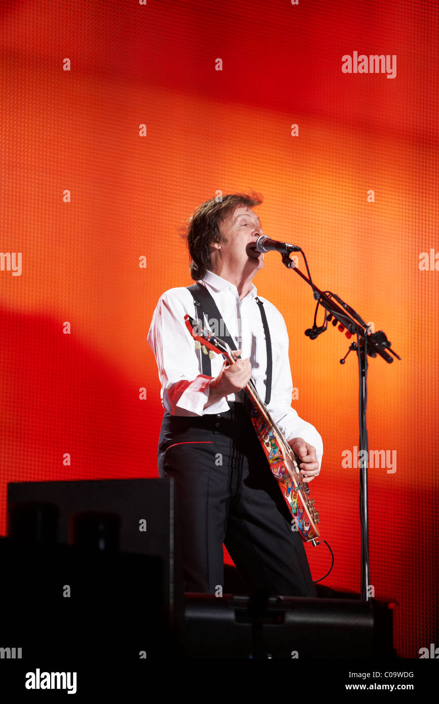 Paul Mc Cartney, playing at River Plate Stadium in Buenos Aires, Argentina at the 'Up and Coming tour 2010' - Stock Image
