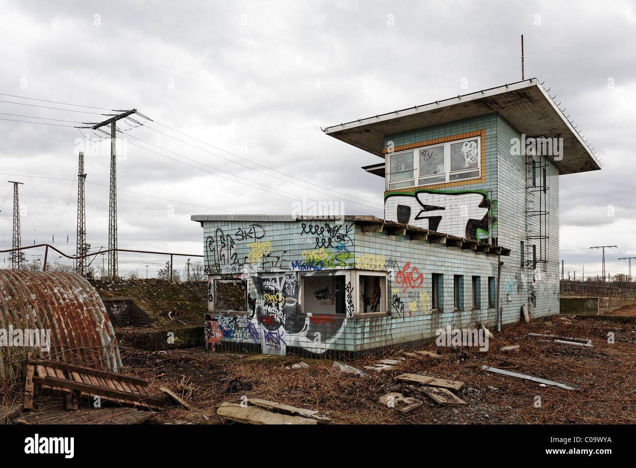 Ruins of a switch tower on the site of a former freight station scheduled for demolition, Duisburg, North Rhine - Stock Image