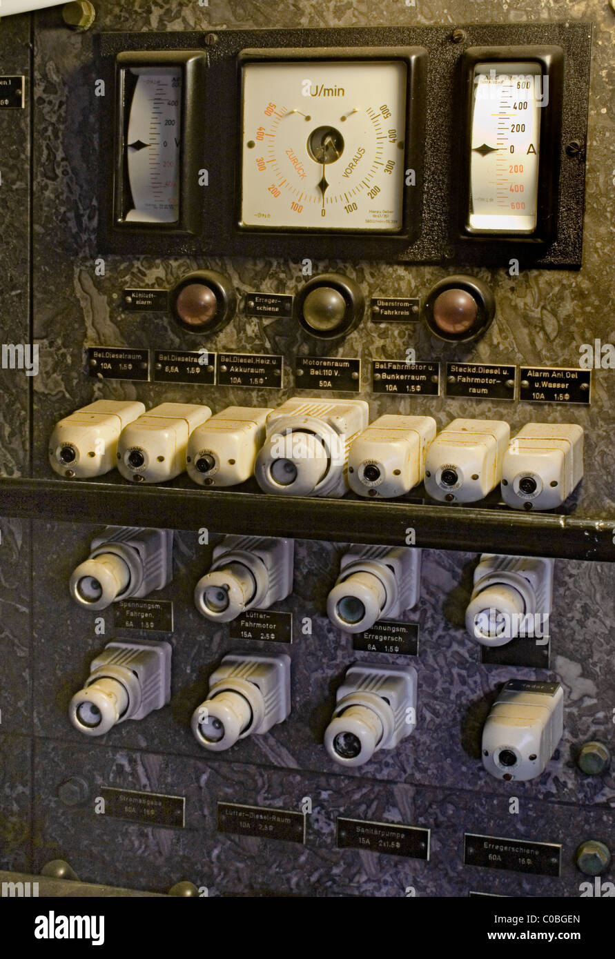 Electronic Meter Stock Photos Images Alamy Wasser Liquid Level Control Switch Ls 15 Vintage Controls With Gauges And Fuses Image
