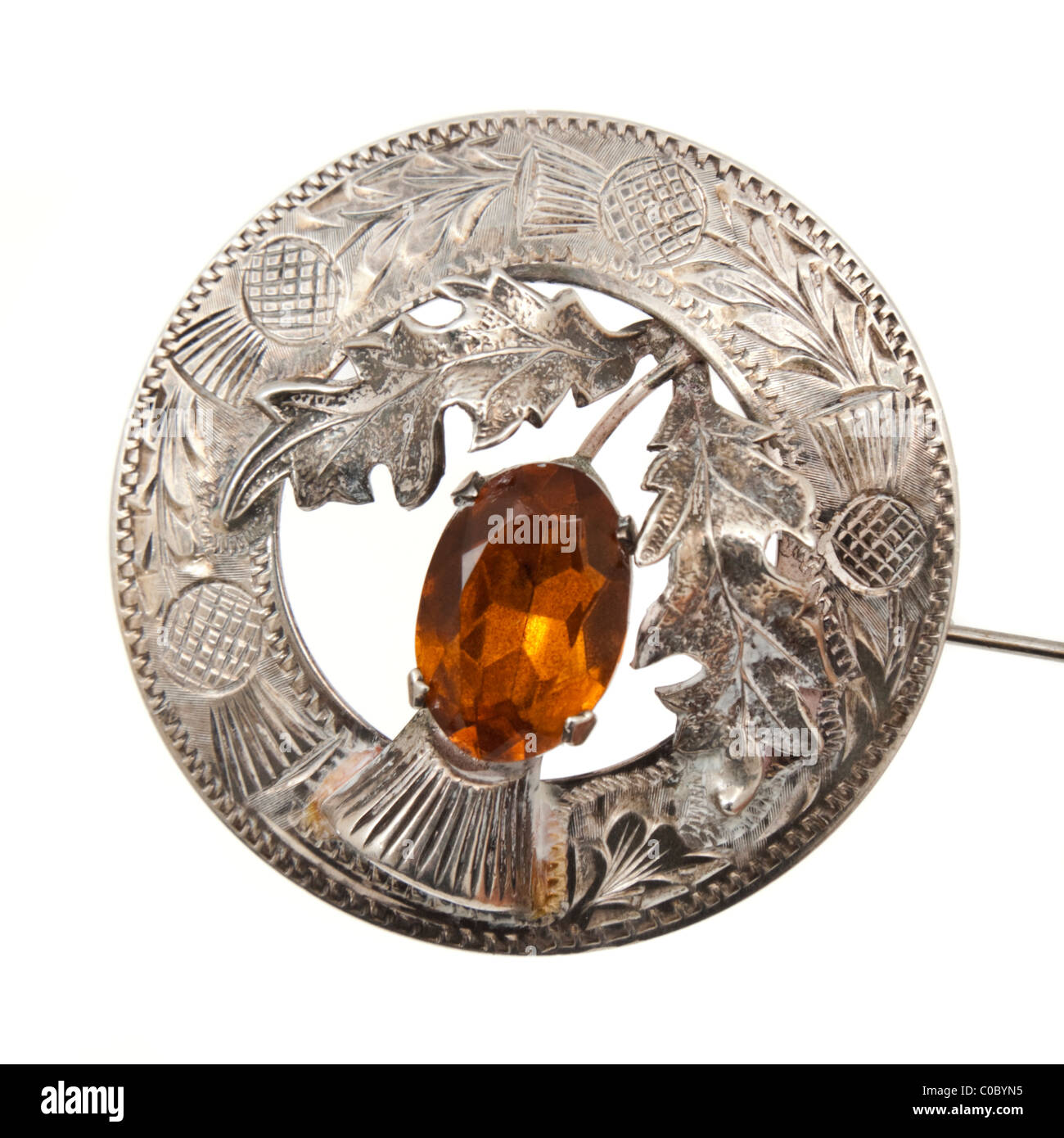 Ward Brothers 1953 Scottish Sterling Silver (Glasgow) thistle brooch / kilt pin with Citrine centre stone - Stock Image