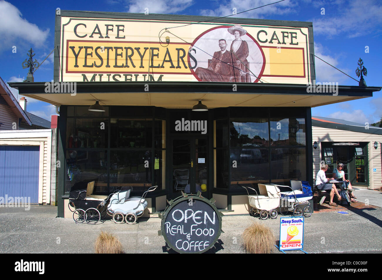 Yesteryear Museum Cafe, Orawia Rd, Tuatapere, Southland, South Island, New Zealand - Stock Image