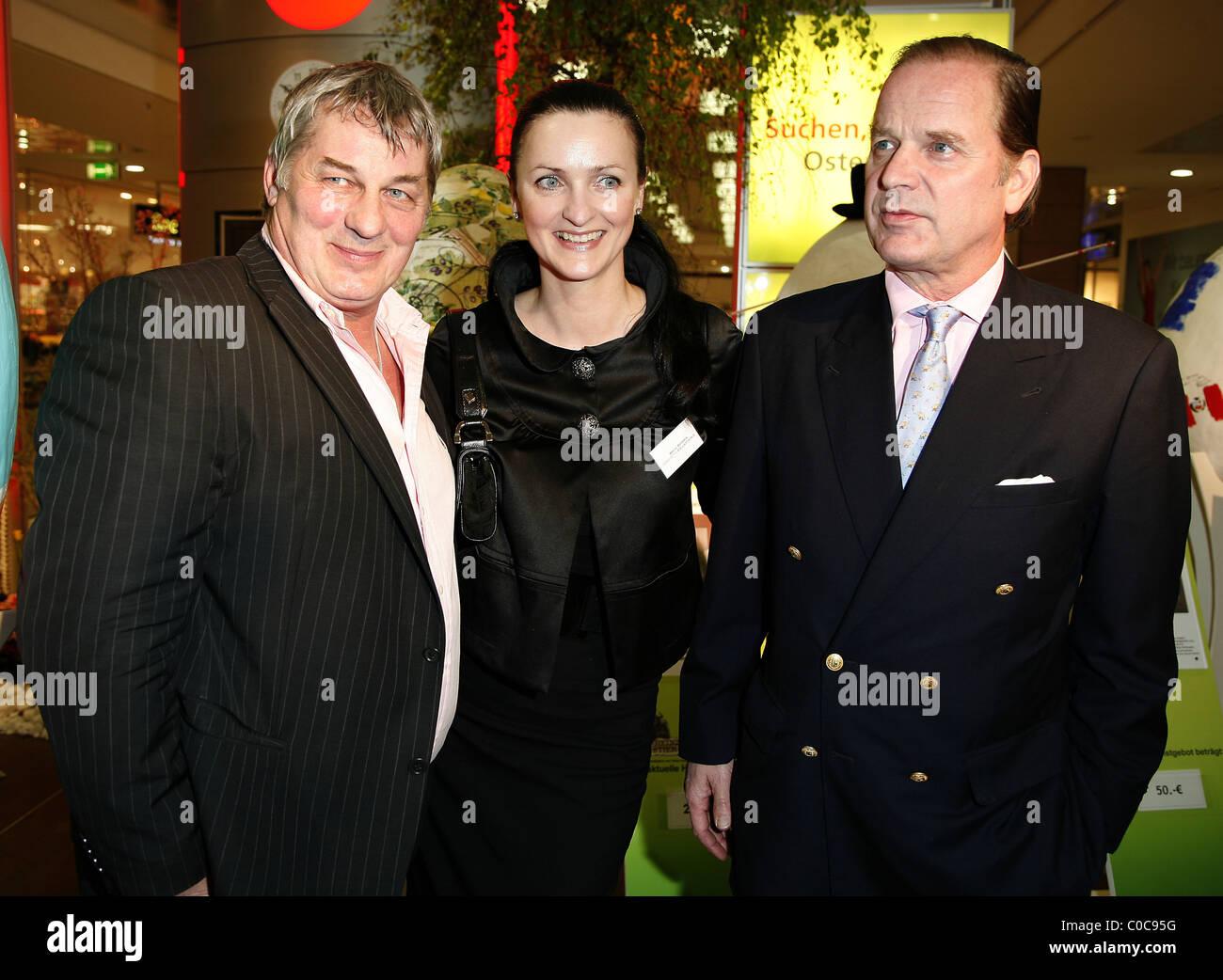 Heinz Hoenig,Brita Segger,  Enno von Ruffin,  Auction at Billstedt Center Hamburg to benefit the children's - Stock Image