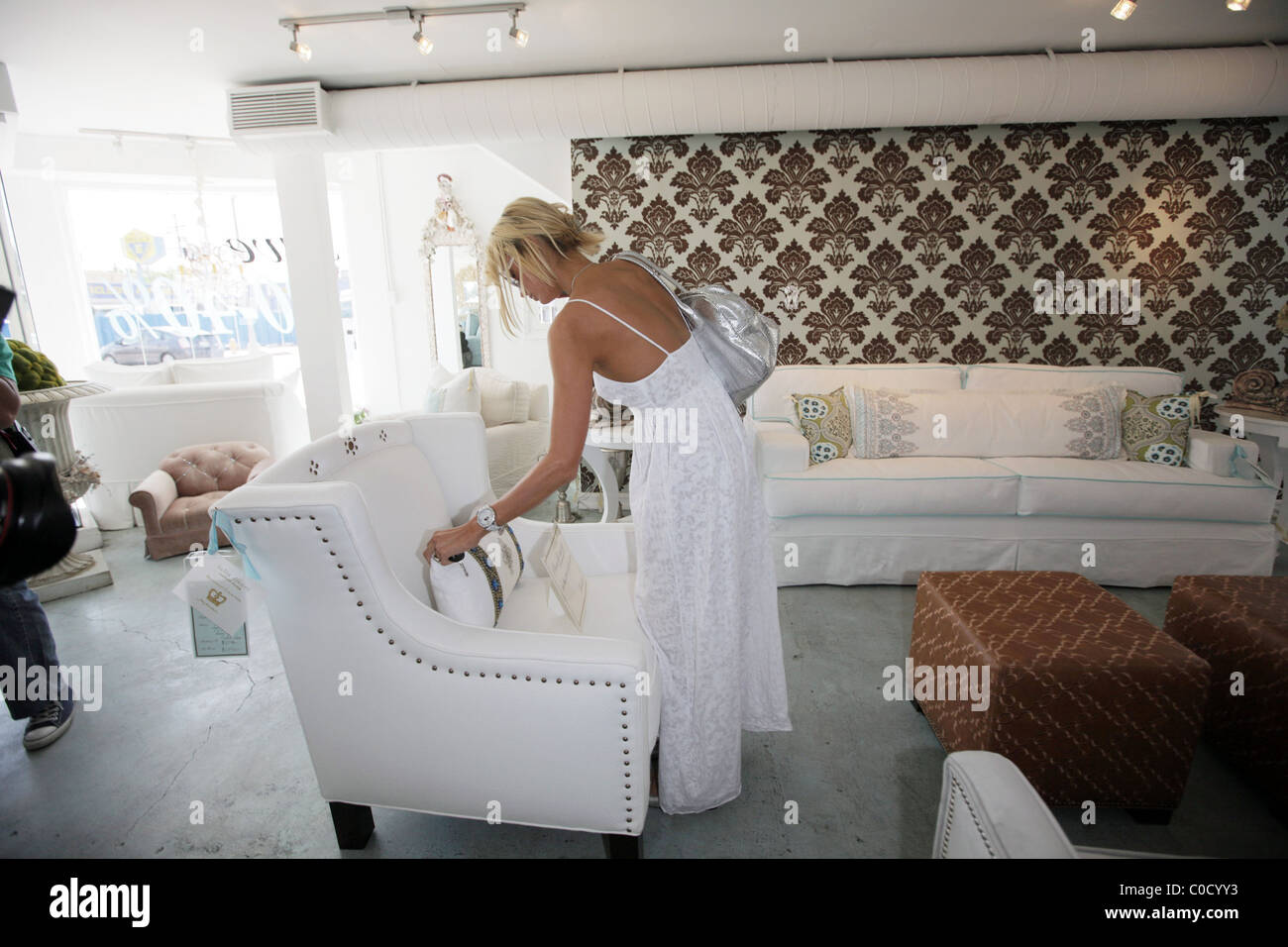 Paris Hilton Goes Furniture Shopping At Cozi Couch In Hollywood Los