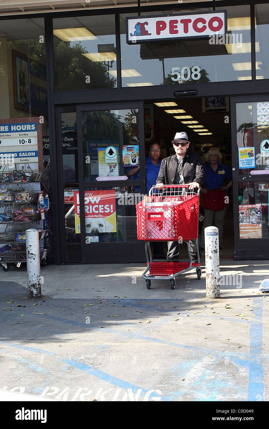 Paris Hilton and Benji Madden shopping for pet supplies at Petco