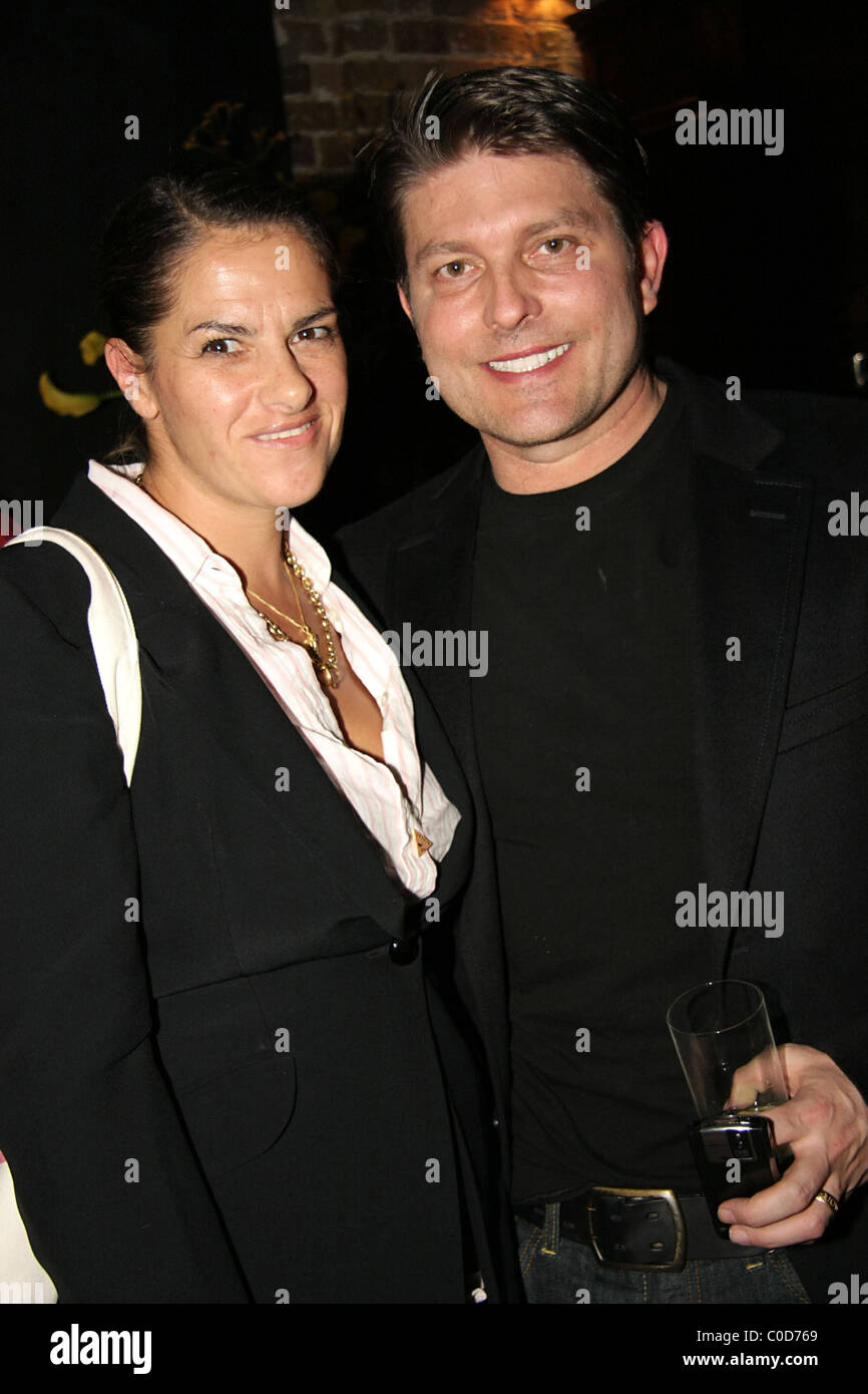 Tracy Emin with Kenny Goss (George Michael's partner) at the private view of 'Deliverance', an exhibition at space Stock Photo