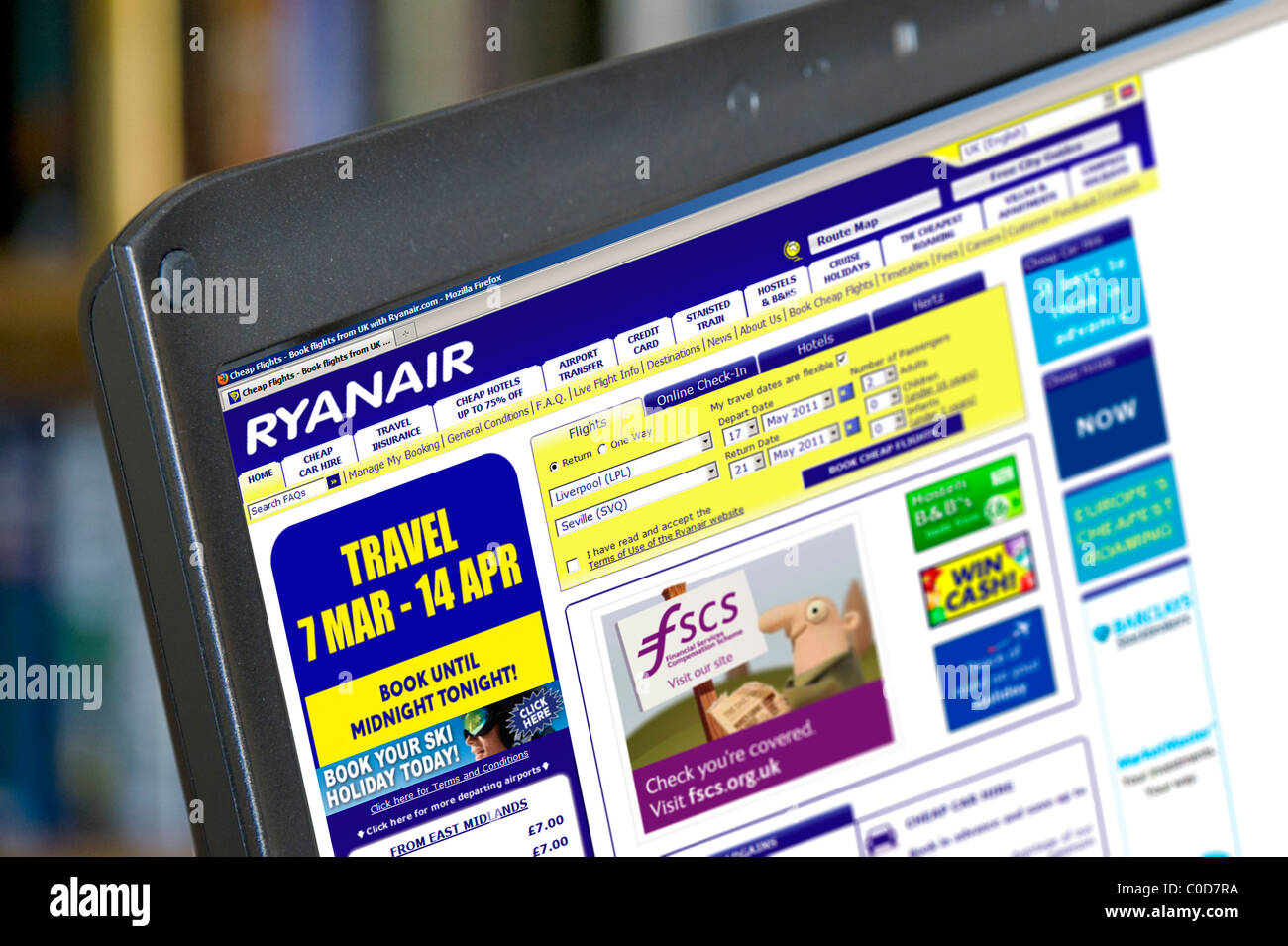 Booking A Flight Stock Photos Images Alamy Ory Electric Plane On The Ryanair Site Laptop Computer Uk Image