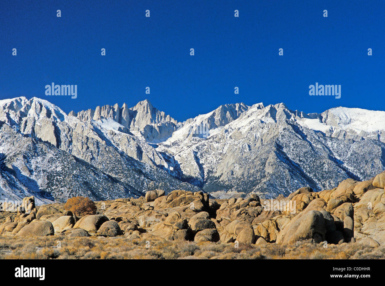 Mount Whitney and Whitney Portals, Sierra Nevada Mountains, California, with Alabama Hills in the foreground. - Stock Image