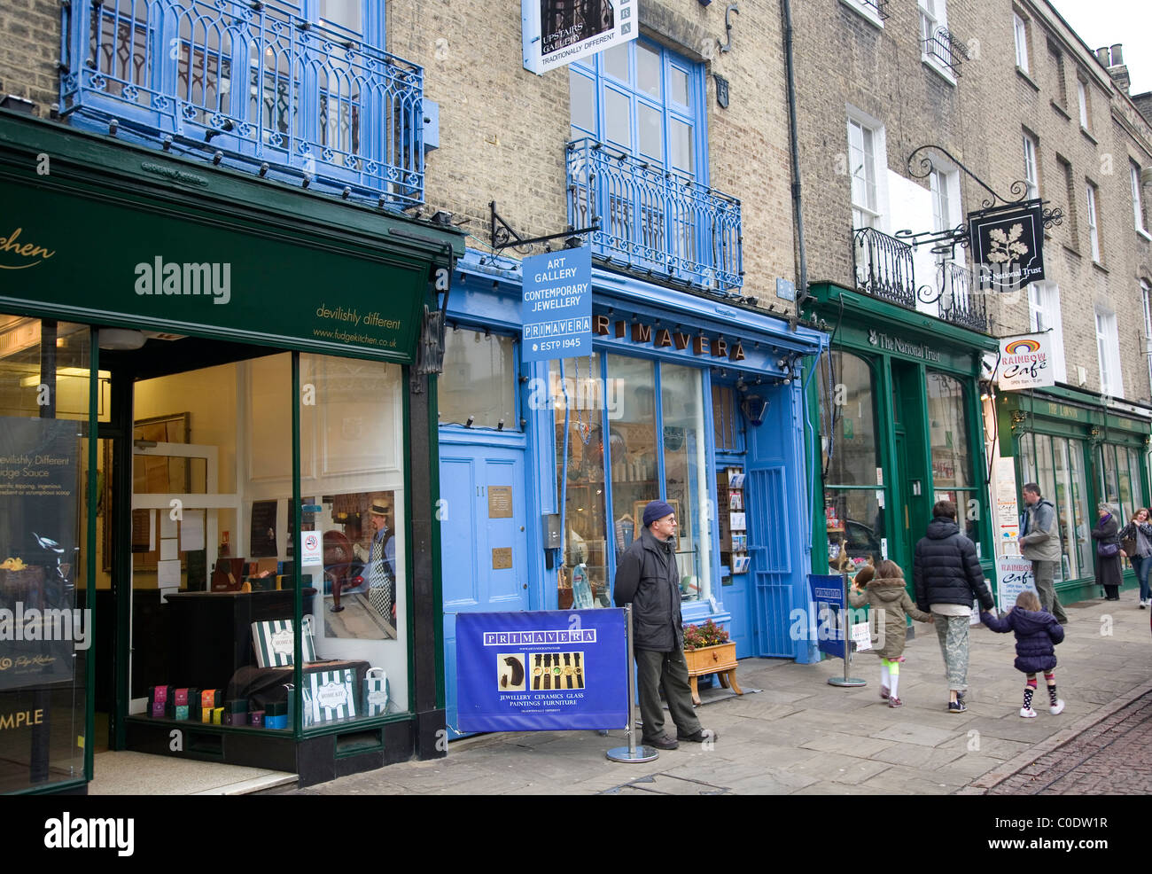 Shops on Kings Parade in Cambridge - Stock Image