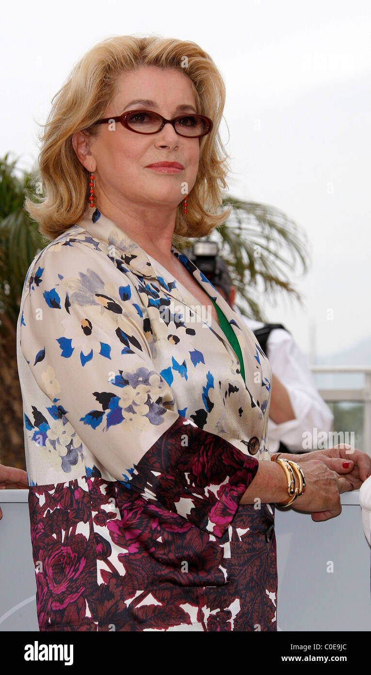 3e15561d8a2 Catherine Deneuve The 2008 Cannes Film Festival - Day 4  Je Veux Voir  - Photocall  Cannes