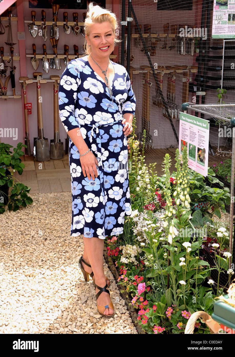 kim wilde at chelsea flower show londonengland 190508 stock image - Wilde Garden