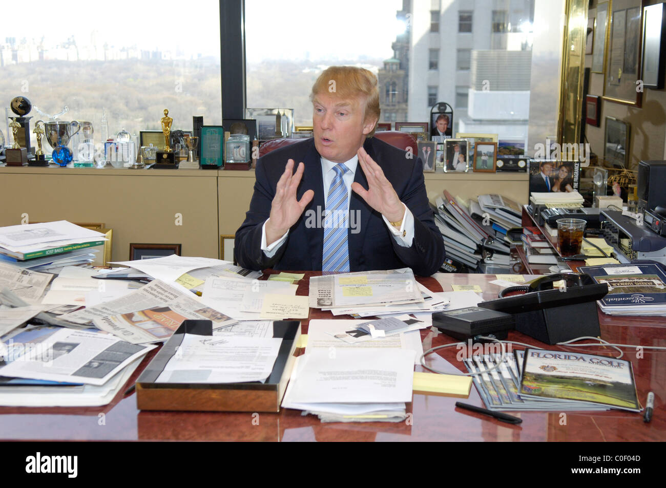 entrepreneur Donald Trump at his desk in his  Manhattan office - Stock Image