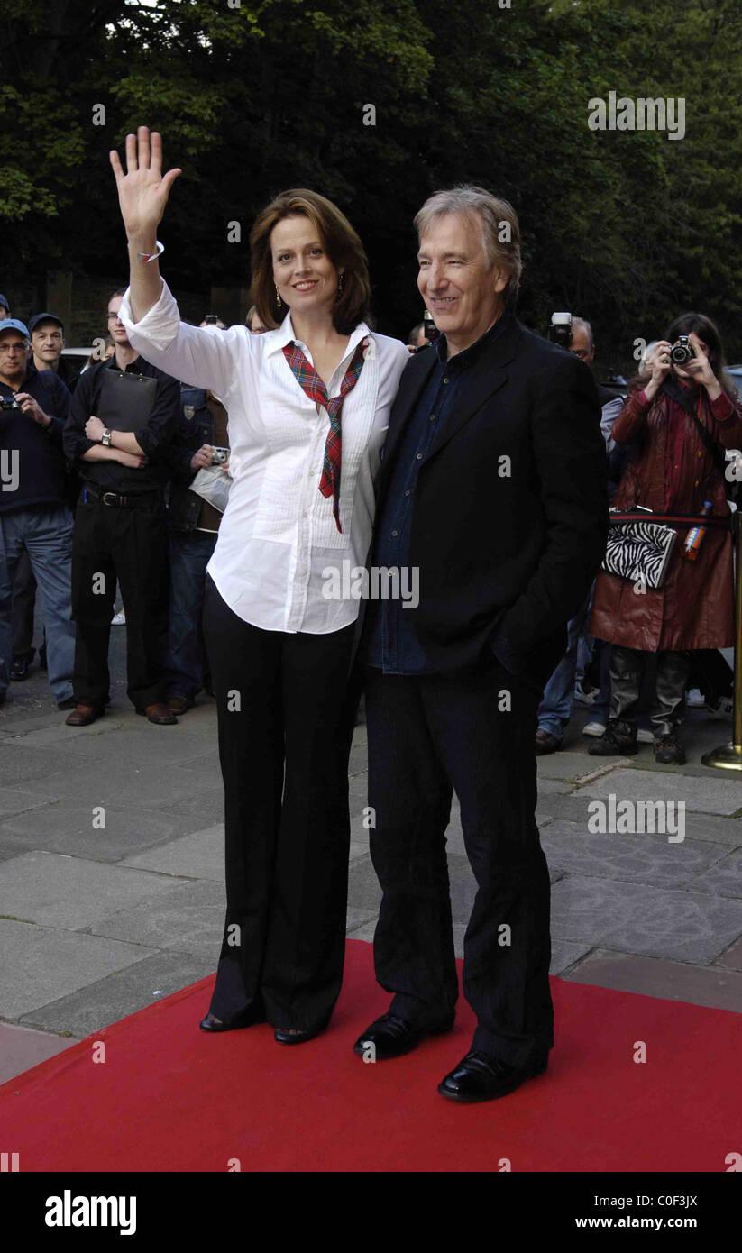 Sigourney Weaver and Alan Rickman on the red carpet at the edinburgh film festival - Stock Image