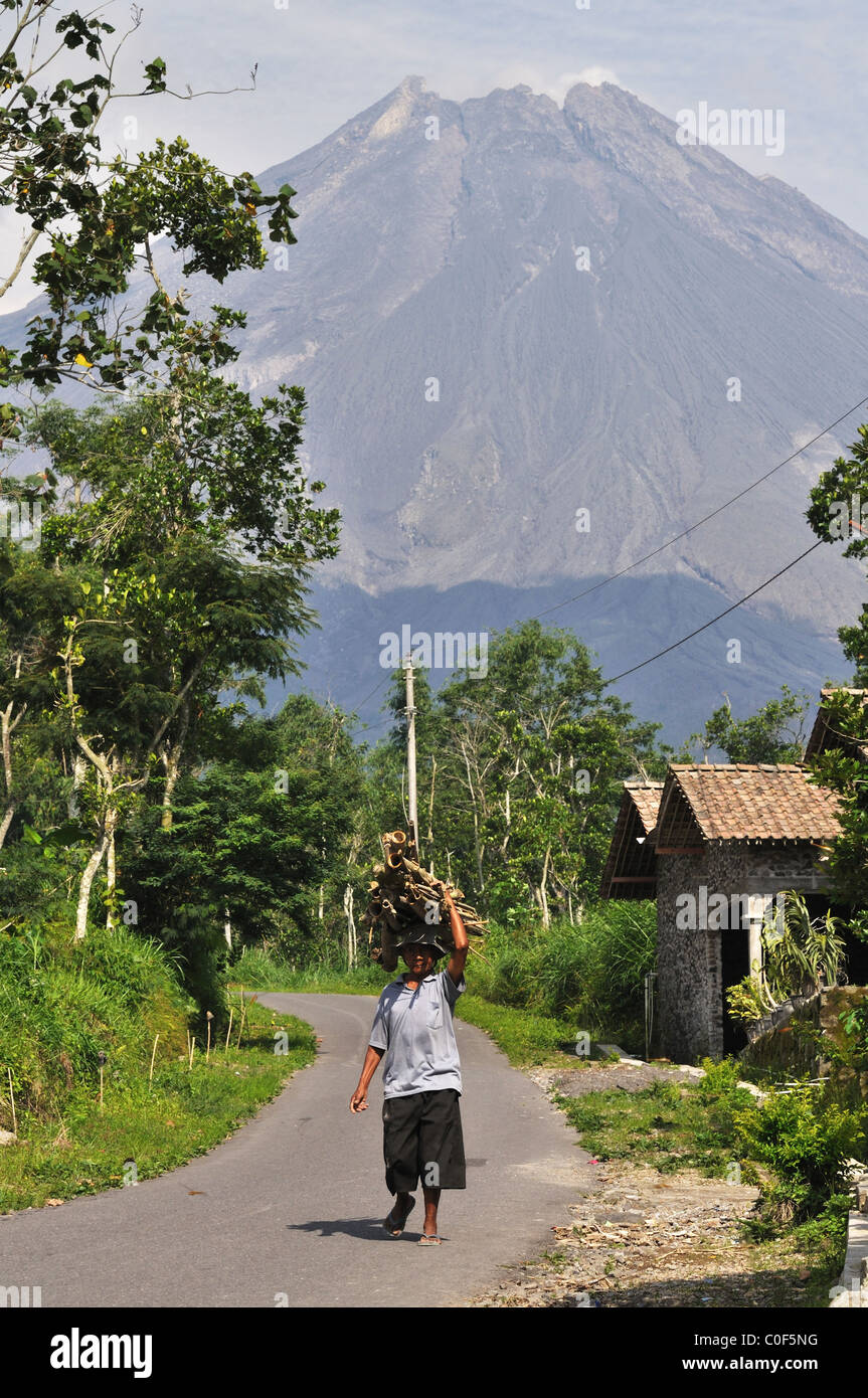 The Merapi from Krinjing Village, Magelang, Centre of Java - Stock Image