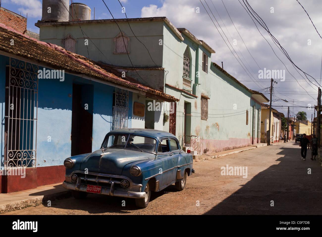 Street with Oldtimer, Trinidad Cuba - Stock Image