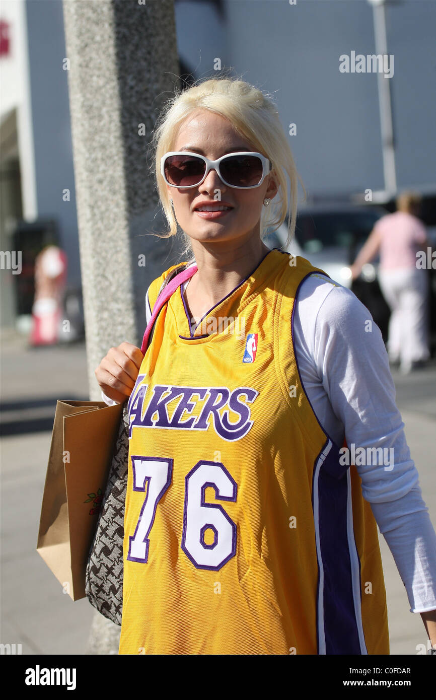 1777fce58b4 Holly Madison shows her team pride by wearing a Los Angeles Laker  basketball jersey as she shops on Robertson Blvd West