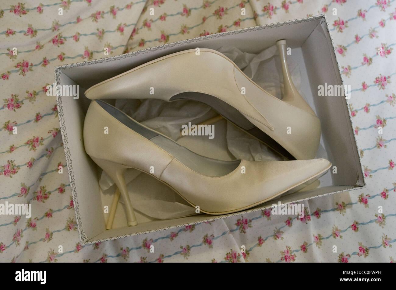 c880f98282b Wedding Heels Stock Photos & Wedding Heels Stock Images - Alamy