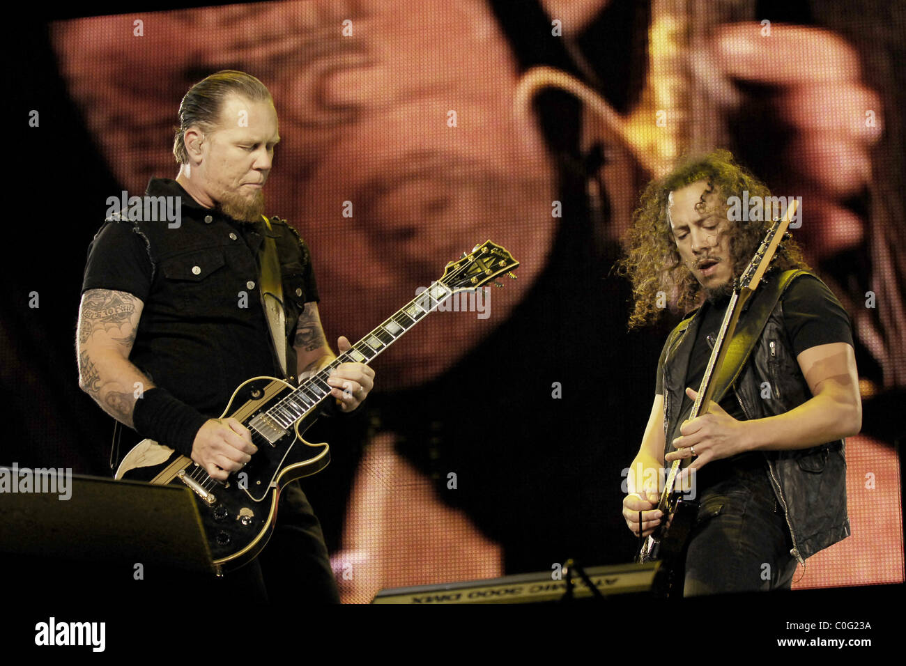 Metalica Stock Photos Images Alamy Kirk Hammett Wiring Diagram James Hetfield And Of Metallica Performing Live On The First Leg Their 2008