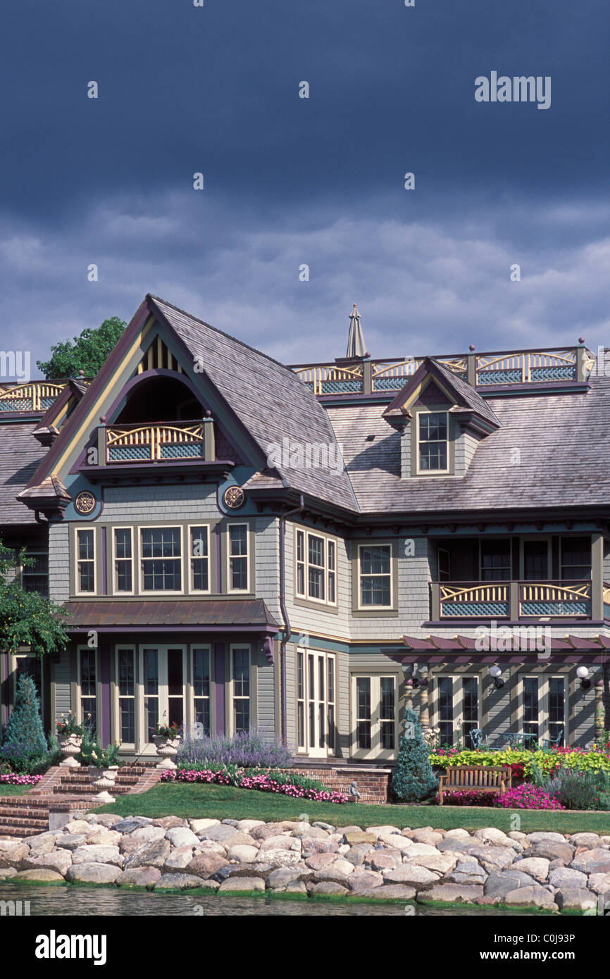 Painted Lady Victorian Style Home On Minneapolis Minnesota Lake - How-to-paint-a-victorian-style-home