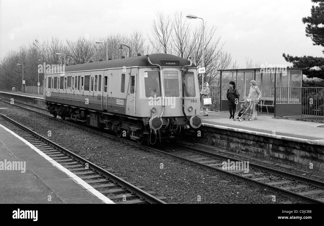 Single car diesel train at Warwick station, UK 1987 - Stock Image
