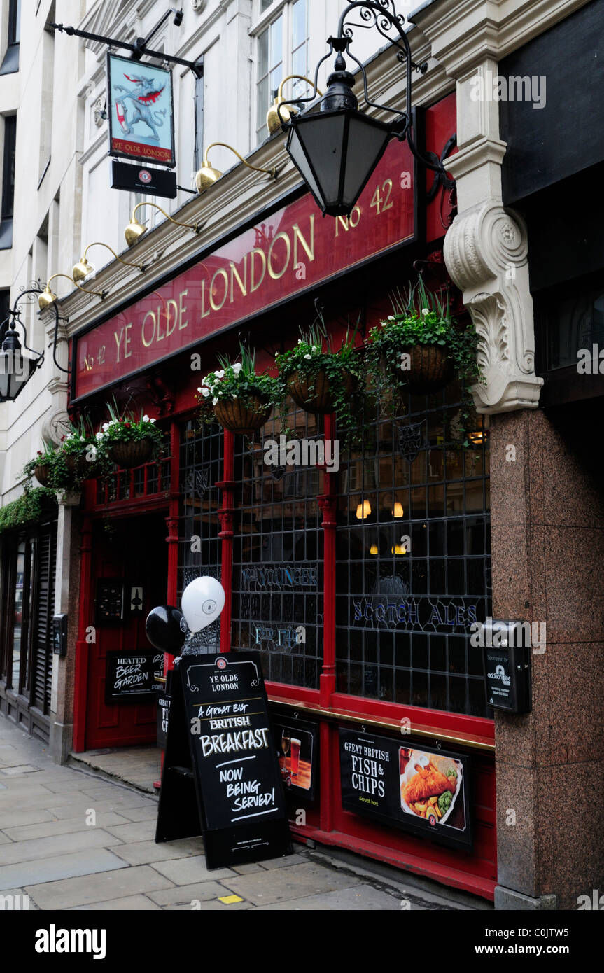 Ye Olde London Pub, Ludgate Hill, London, England, UK - Stock Image