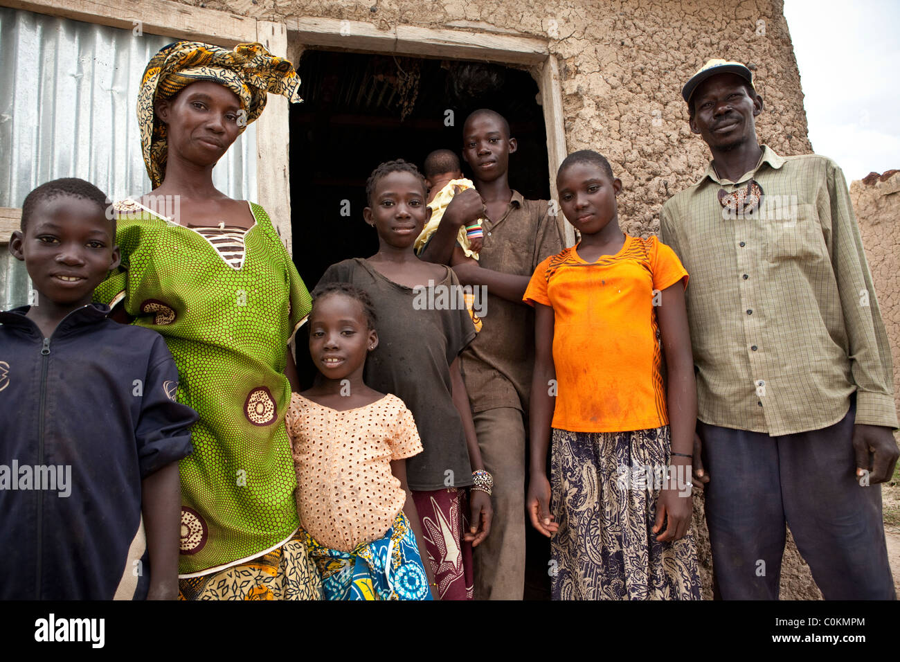 Portrait of a large family - Safo, Mali, West Africa. - Stock Image