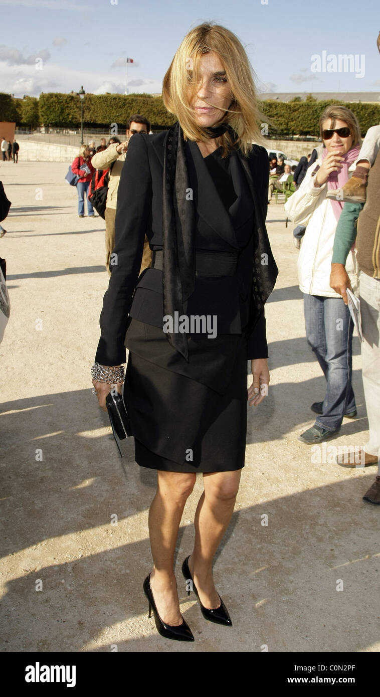 Carine Roitfeld Paris Fashion Week Stock Photos & Carine ...