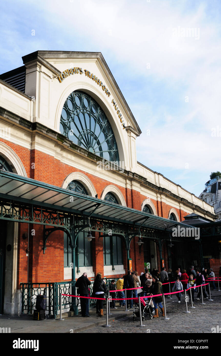 London's Transport Museum, Covent Garden Piazza, London, England, UK - Stock Image