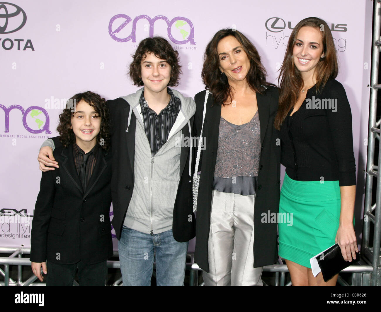 Nat Wolff, Alex Wolff and Polly Draper at the Stellas