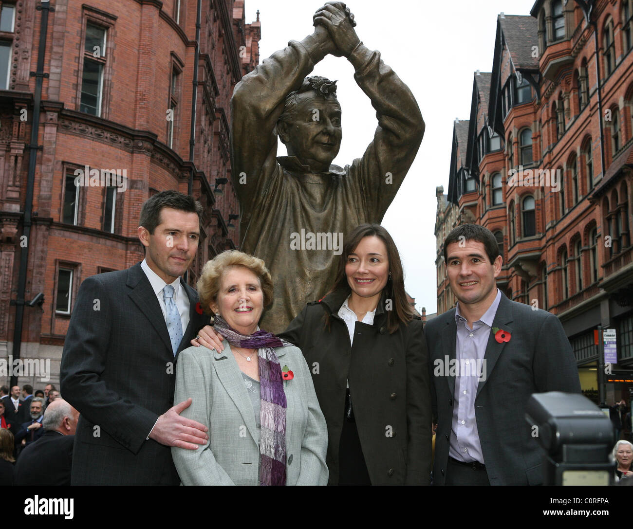 The Clough family,Simon,Barbara,Elizabeth and Nigel Brian Clough is remembered in his adopted city with an eight - Stock Image