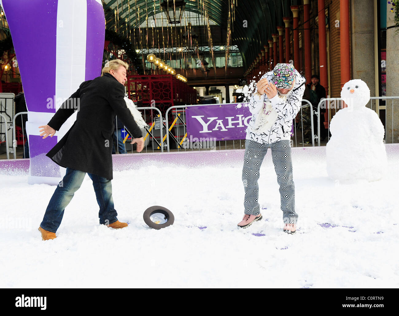 David Van Day and Timmy Mallett The Yahoo! Snowball Fight to get ...