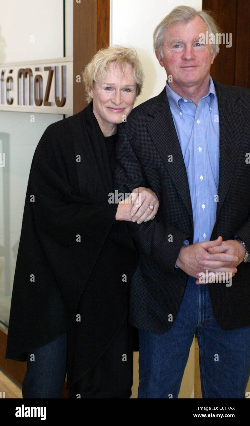 Glenn Close and David Shaw The Kennedy Center Honors held their annual morning brunch in the Cafe of the Mandarin - Stock Image