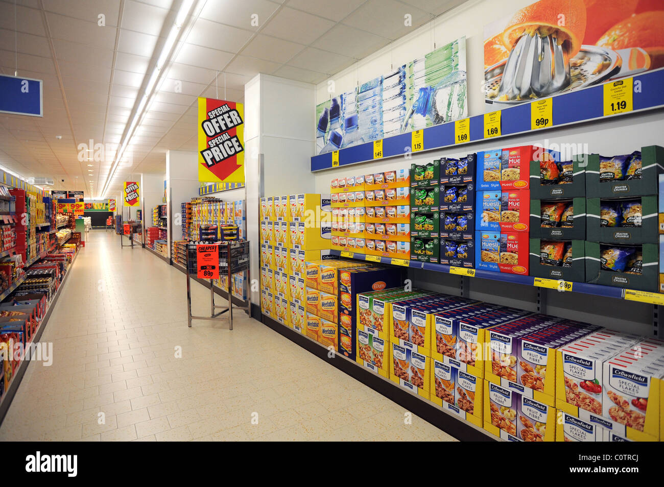 lidl discount supermarket in newhaven empty aisle with goods filling stock photo 34965970 alamy. Black Bedroom Furniture Sets. Home Design Ideas