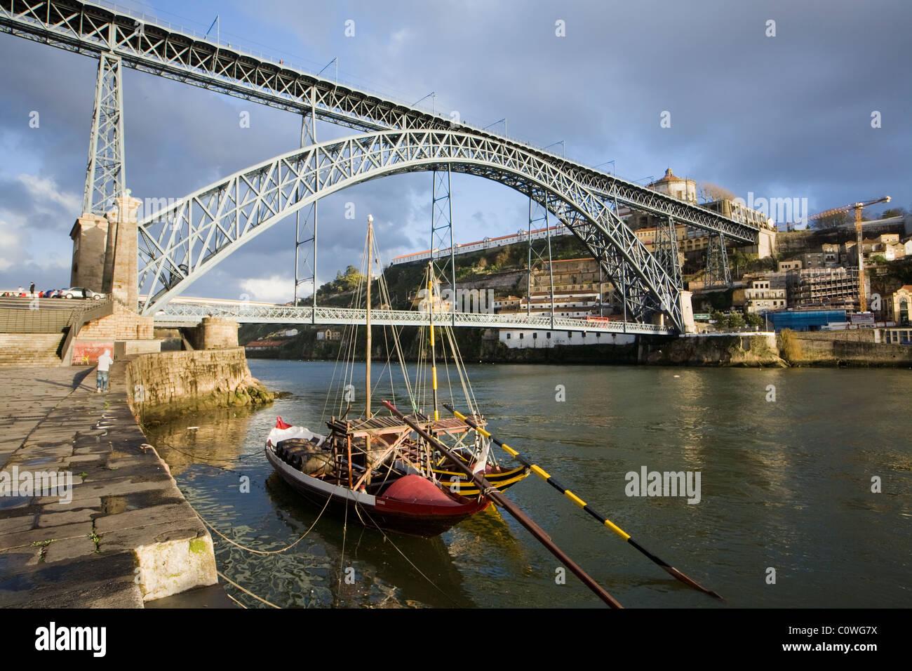 Douro River and Luis I Bridge, Oporto, Lisbon - Stock Image