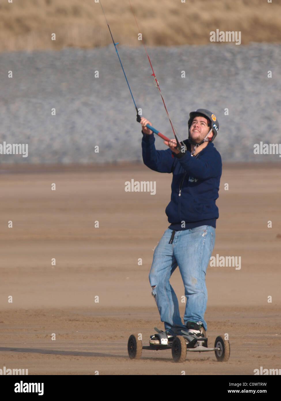 Kite Landboarding / KGB / Kite Mountainboarding, Devon, UK - Stock Image