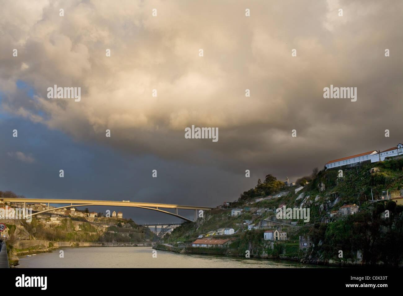 Douro River and Ponte Do Infante Bridge, Oporto, Portugal - Stock Image